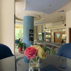 Отель Aparthotel Aquaria Болгария, Солнечный берег - отзывы, цены и фото номеров - забронировать отель Aparthotel Aquaria онлайн гостиничный бар