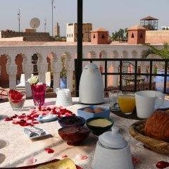 Отель Riad Tahar Oasis Марокко, Марракеш - отзывы, цены и фото номеров - забронировать отель Riad Tahar Oasis онлайн бассейн фото 2