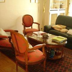 Отель Bed And Breakfast Kremlin Bicetre интерьер отеля фото 2