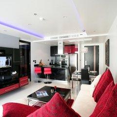 Отель Absolute Bangla Suites интерьер отеля