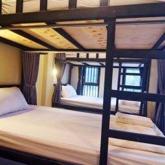 Chang Hostel Кровать в женском общем номере с двухъярусной кроватью