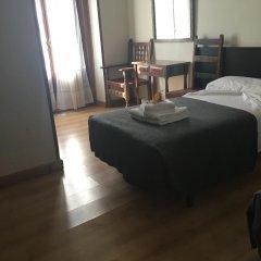 Отель Hostal La Plata удобства в номере