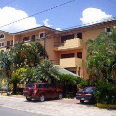 Отель Calypso Beach Доминикана, Бока Чика - отзывы, цены и фото номеров - забронировать отель Calypso Beach онлайн парковка