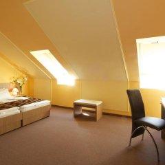 Отель Erzsebet Kiralyne (Queen Elizabeth) Годолло комната для гостей фото 5
