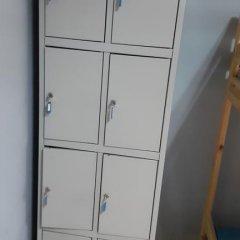 Hostel Belaya Dacha сейф в номере