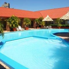 La Quinta Hotel бассейн