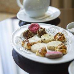 Bilek Istanbul Hotel Турция, Стамбул - 1 отзыв об отеле, цены и фото номеров - забронировать отель Bilek Istanbul Hotel онлайн питание фото 2