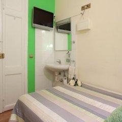 Отель Hostal Felipe 2 Стандартный номер с двуспальной кроватью (общая ванная комната) фото 3