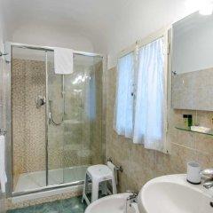 Отель Soggiorno Pitti 3* Стандартный номер с двуспальной кроватью (общая ванная комната) фото 18
