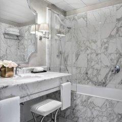 Отель Castille Paris - Starhotels Collezione Франция, Париж - 4 отзыва об отеле, цены и фото номеров - забронировать отель Castille Paris - Starhotels Collezione онлайн ванная