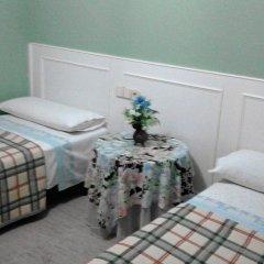 Отель Callao 2* Стандартный номер с 2 отдельными кроватями (общая ванная комната) фото 5