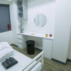Отель Monster Guesthouse 2* Стандартный номер с различными типами кроватей фото 5