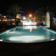 Dionysos Central Hotel бассейн