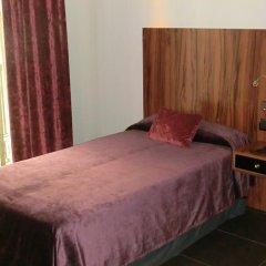 Отель California комната для гостей