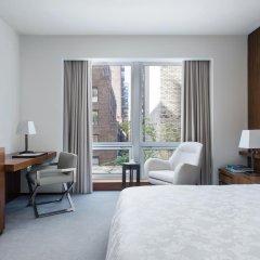 Отель The Langham, New York, Fifth Avenue Улучшенный номер с двуспальной кроватью фото 2