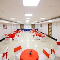 Отель Chirag Residency Индия, Нью-Дели - отзывы, цены и фото номеров - забронировать отель Chirag Residency онлайн помещение для мероприятий фото 2