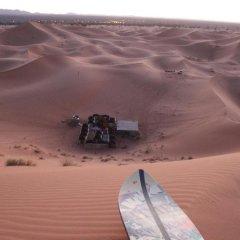 Отель Galaxy Desert Camp Merzouga Марокко, Мерзуга - отзывы, цены и фото номеров - забронировать отель Galaxy Desert Camp Merzouga онлайн спортивное сооружение