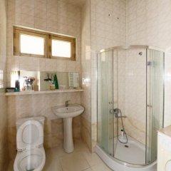 Отель Tbili Hostel Грузия, Тбилиси - отзывы, цены и фото номеров - забронировать отель Tbili Hostel онлайн ванная фото 2