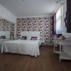 Hotel Capri 3* Улучшенный номер с различными типами кроватей фото 13