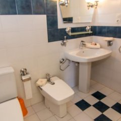 Отель Agi Riu Segre Villa Курорт Росес ванная