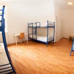 Отель a&o Dresden Hauptbahnhof 2* Кровать в общем номере с двухъярусной кроватью фото 6