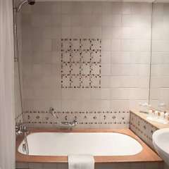 Отель Le Meridien NFis 5* Улучшенный номер с различными типами кроватей фото 6