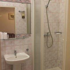 Отель Reymont 3* Номер категории Эконом с различными типами кроватей фото 5
