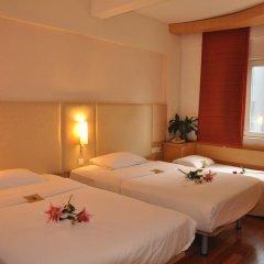 Zhongshan The Center Hotel 3* Номер Делюкс с различными типами кроватей фото 3
