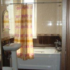 Гостиница Domoria Hostel в Сочи отзывы, цены и фото номеров - забронировать гостиницу Domoria Hostel онлайн ванная