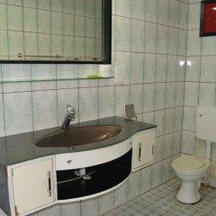 Отель Fun World Plaza Hotel Фиджи, Вити-Леву - отзывы, цены и фото номеров - забронировать отель Fun World Plaza Hotel онлайн ванная
