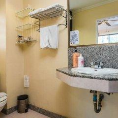 The Ambiance Hotel 3* Улучшенный номер с различными типами кроватей фото 5