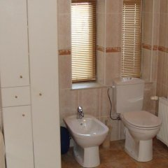 Отель Riga Holiday Apartments Латвия, Рига - отзывы, цены и фото номеров - забронировать отель Riga Holiday Apartments онлайн ванная фото 2