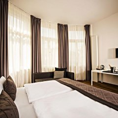 Отель Golden Crown 4* Улучшенный номер с двуспальной кроватью фото 4