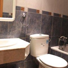 Отель Hostal Mont Thabor Улучшенный номер с различными типами кроватей фото 28