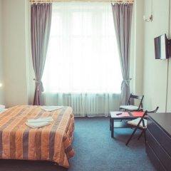 Гостиница Александр 3* Стандартный семейный номер с двуспальной кроватью