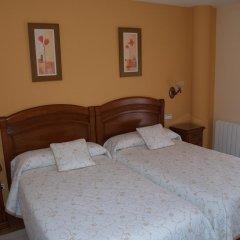 Отель Las Torres Испания, Арнуэро - отзывы, цены и фото номеров - забронировать отель Las Torres онлайн комната для гостей фото 4