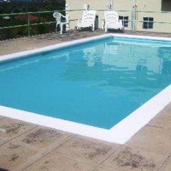 Отель Southview Hotel Ямайка, Санта-Крус - отзывы, цены и фото номеров - забронировать отель Southview Hotel онлайн бассейн