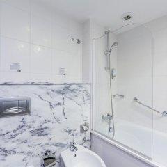 Отель Holiday Inn Express Lisbon Airport ванная