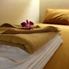 Loma Hostel at Phuket Town Кровать в общем номере с двухъярусной кроватью фото 8