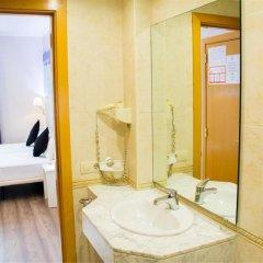 Отель Hostal Boqueria Стандартный номер с двуспальной кроватью фото 18