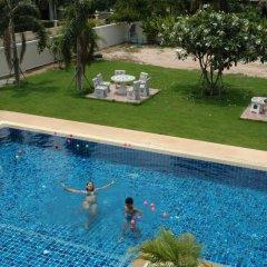Отель East Shore Pattaya Resort бассейн