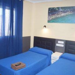 Отель Hostal Numancia Стандартный номер с 2 отдельными кроватями (общая ванная комната) фото 2