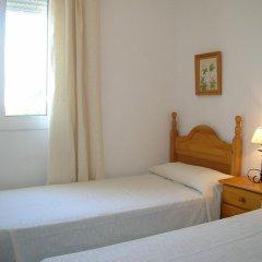 Отель Apartamentos Conil Alquila Испания, Кониль-де-ла-Фронтера - отзывы, цены и фото номеров - забронировать отель Apartamentos Conil Alquila онлайн комната для гостей