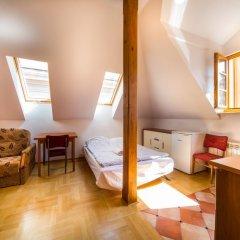 Old Town Kanonia Hostel & Apartments Люкс с различными типами кроватей фото 2
