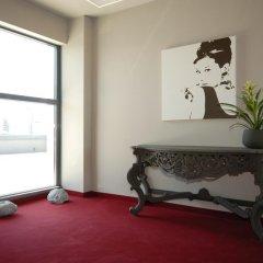 Art Hotel Olympic сейф в номере