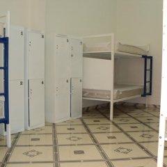 Отель Hostal Centro Historico Oasis 2* Кровать в общем номере фото 2