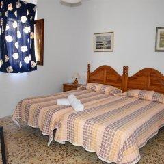 Отель Pensión Eva Стандартный номер с 2 отдельными кроватями (общая ванная комната) фото 7
