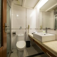 Sino Hotel Guangzhou 3* Стандартный номер с различными типами кроватей фото 3