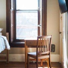 Отель Found Places Capitol Hill Bed & Breakfast 3* Стандартный номер с 2 отдельными кроватями (общая ванная комната) фото 4