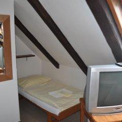 Hotel Svornost 3* Номер категории Эконом с различными типами кроватей фото 7